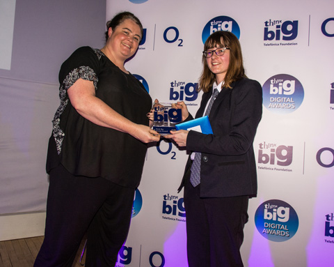 Emily Godden presented with her award by Tracey Herald, Head of Community at O2