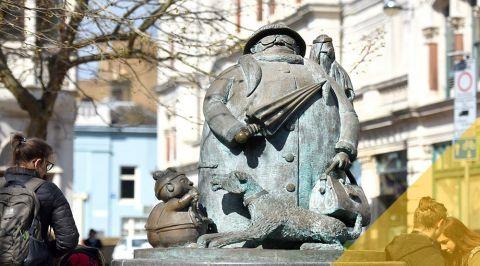 blogmainimagetemplate giles statue