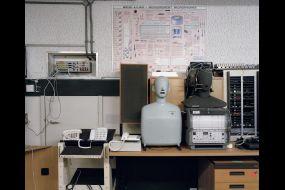 BT AccouticLab lab f1y Retouch spot